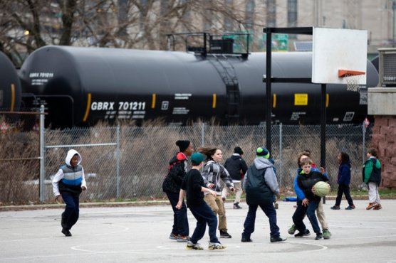 oil train ideling
